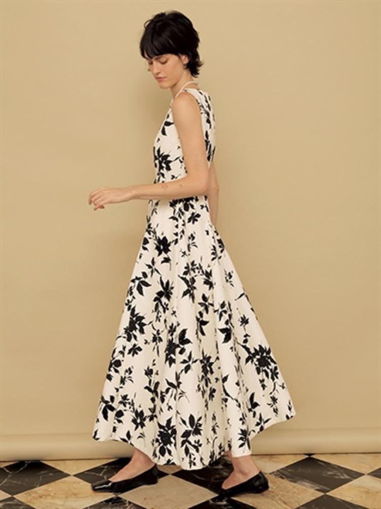 フラワープリント刺繍ドレス