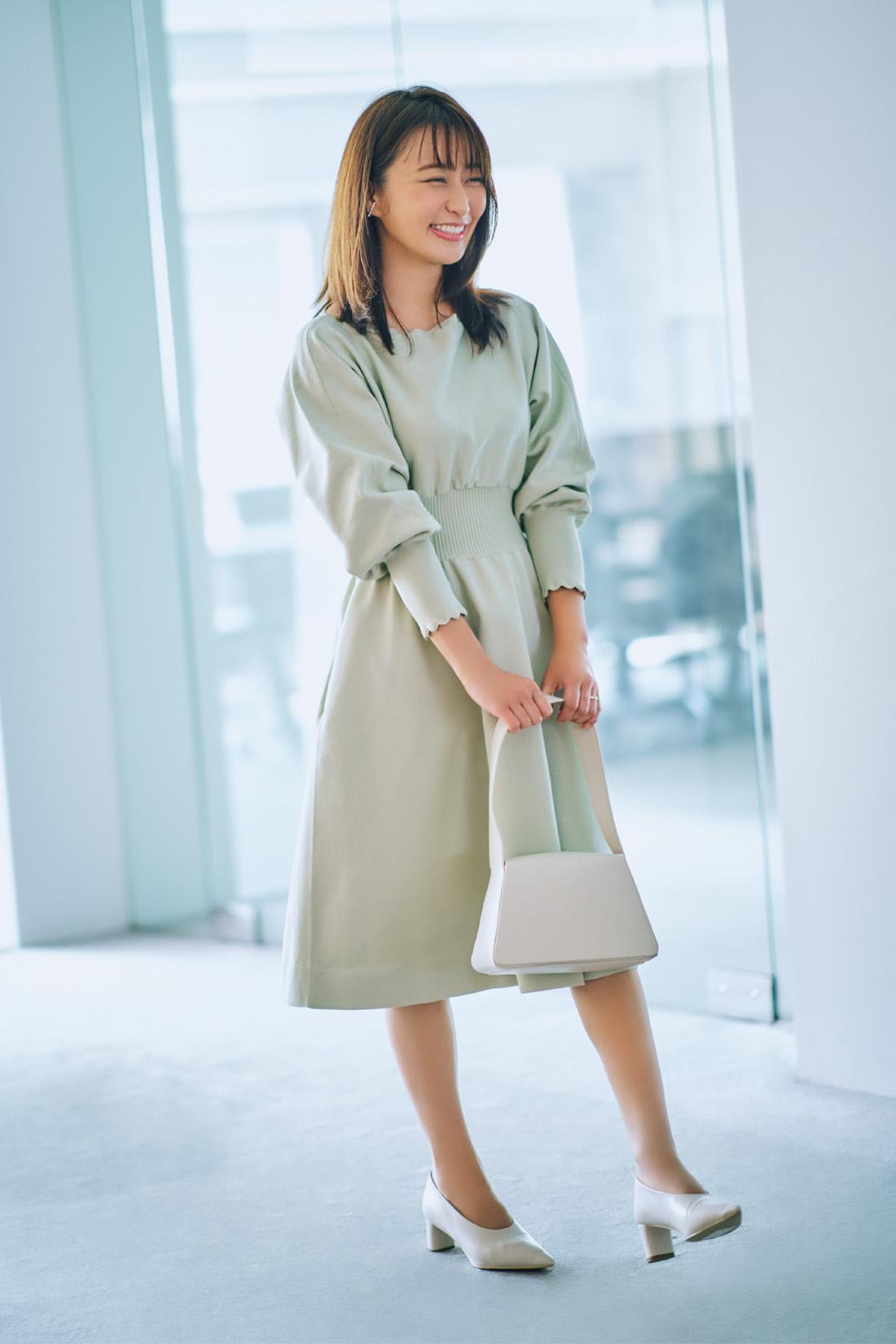 グリーンのワンピースを着た枡田絵理奈